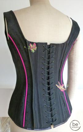 bustier brodé en toile à corset, sur mesure