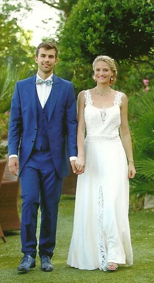 robe de mariée dos plongeant en crêpe georgette de soie, guipure et dentelle de Calais