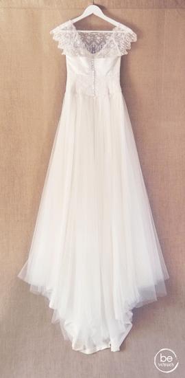 robe de mariée personnalisée en satin duchesse de soie et tulle brodé de Calais