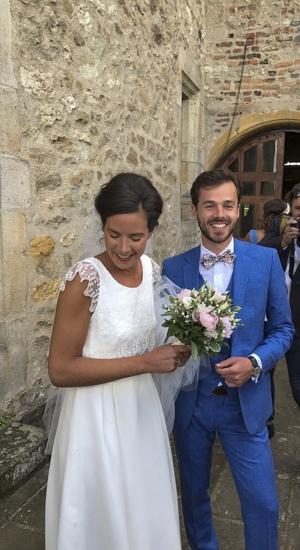 maries dans un chateau robe sur mesure en crêpe couture et tulle brodé par be vernier