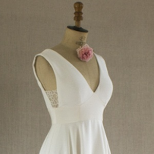 robe en crepe couture et tulle plumetis sur mannequin de couture shooting be vernier