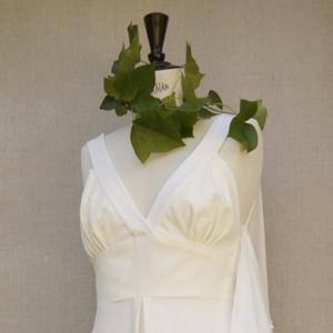 robe en velours et crêpe de soie sur un mannequin de couture shooting be vernier
