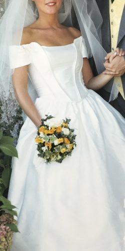 mariee en robe vintage avant upcycling par be vernier